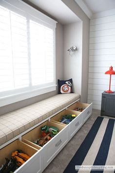 Organized Built-ins for Toys This brilliant toy storage would be perfect to hide away toys in our kids bedrooms. As a mother of four, I'm always looking for and sharing fresh ideas on how to add style and organization to our busy lives. Kids Bedroom Storage, Living Room Toy Storage, Bedroom For Kids, Storage For Kids Toys, Bedroom In Living Room, Storage Room Ideas, Kids Storage Bench, Toy Storage Units, Kitchen Storage Bench