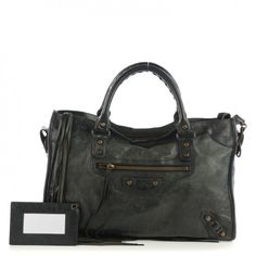This is an authentic BALENCIAGA Agneau Classic City in Black. This chic tote  is crafted d158e10dab