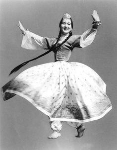Leona, Tadjik dance, c. 1967.