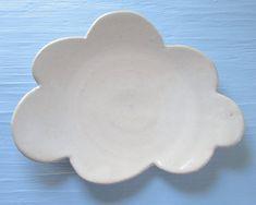 White cloud dessert plate