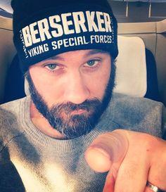 #teamstanden  #vikings  #beserker Viking Men, Viking Life, Vikings Tv Show, Vikings 2016, Scruffy Men, Man Crush Everyday, Star Wars, Travis Fimmel, Hot Hunks