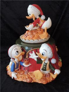 Köp & sälj begagnat & second hand online Second Hand Online, Disney Stuff, Snow Globes, Christmas Ornaments, Holiday Decor, Characters, Donald Duck, Fimo, Auction