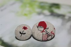 Little Red Riding Hood Linen Button Set - Take your time to smell the roses