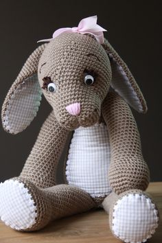 delanna - this is so beautiful, I need to hunt it down! Easter Crochet, Crochet For Kids, Crochet Crafts, Crochet Baby, Crochet Projects, Sewing Crafts, Knit Crochet, Crochet Bunny Pattern, Toys