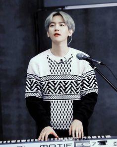 Image in EXO😻 collection by عاشقة كوريا on We Heart It Baekhyun Fanart, Chanyeol Baekhyun, Kpop Exo, Exo K, Exo Style, K Pop, Stage Outfit, Exo Ot12, Exo Chanbaek