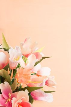 DIY: Make a spring centerpiece with tulips» The House That Lars Built