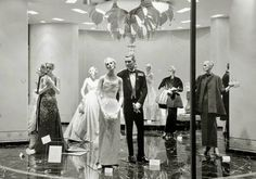 TORONTO – SIMPSON'S DEPARTMENT STORE – THE ST REGIS ROOM – HIGH FASHION WINDOW DISPLAY – LATE 1950s