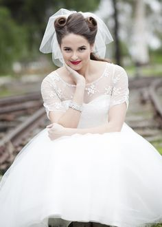 Vintage Railway Wedding Inspiration - http://fabyoubliss.com/2015/04/17/vintage-california-railway-wedding