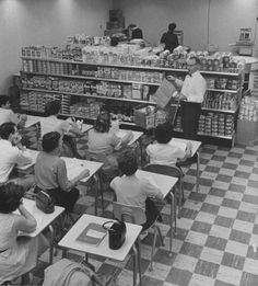 Students attending a night supermarket class at Bakersfield Jr College in California (1958)
