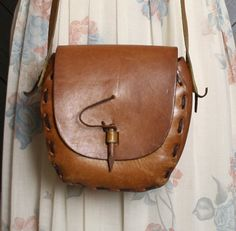 70s LEATHER PURSE / Simple Hippie Shoulder Bag