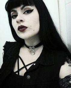 "2,548 Likes, 14 Comments - ☽Suélen Souza☾ (@halloween_mistress) on Instagram: ""Rouge  Vestido maravilhosoo da @loja_minerva , cupom MISTRESS para desconto em suas compras ♥️"""