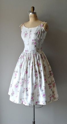 !949 vintage dress Inspiraion (we have 4 05 5 dresses like these i can bring in various colors)