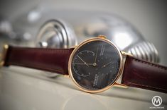 Review of the Nomos Lambda 39mm – The Luxurious Gold Nomos in a smaller size (live photos, specs and price)