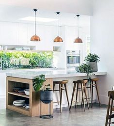 On the topic of small kitchen designs, you need to know and comprehend its basic rules to be able to . Read Elegant First Apartment Small Kitchen Bar Design Ideas Small Kitchen Bar, Kitchen Tiles Design, Kitchen Cabinet Colors, Interior Design Kitchen, New Kitchen, Kitchen Decor, Kitchen Ideas, Awesome Kitchen, Central Kitchen