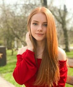 Discover tons of gorgeous redhead on Bonjour-la-Rousse Red Hair Woman, Beautiful Red Hair, Beautiful Women, Girls With Red Hair, Red Hair Boy, Red Hair Blue Eyes, Gorgeous Redhead, Gorgeous Girl, Hottest Redheads