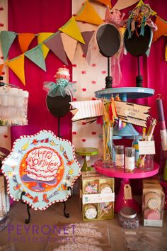 Creme de la Creme Cake Company Birthday Cake Boutique Cake Stands Cupcake Liners Cupcake Kits Cupcake Wrappers Birthday Plates and Platters Celebration Headbands Candles Sparklers