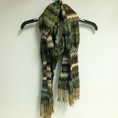 Tolani Scarf Beautiful colors and print! Tolani Accessories Scarves & Wraps