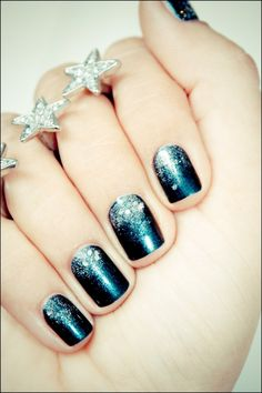 Deep Teal Glitter Gradient~Love these nails!!!