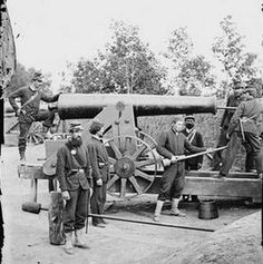 American Civil War - Heavy gun in Fort Woodbury - Fort Woodbury was part of an extensive network of fortifications erected in present-day Arlington County, Virginia to protect Washington, D. from Confederate attack. Confederate States Of America, America Civil War, American War, American History, War Image, Civil War Photos, Us History, Ancient History, Fortification