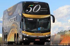 Ônibus da empresa Expresso Nordeste, carro 5000, carroceria Marcopolo Paradiso G7 1800DD, chassi Volvo B450R. Foto na cidade de Guarapuava-PR por Victor Hugo M. N. , publicada em 01/04/2014 17:15:01.
