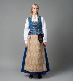 Blå Gloria - Blå trønderbunad - Trøndelag - Norsk Flid nettbutikk og bunader Dress Outfits, Fashion Outfits, Womens Fashion, Norwegian Clothing, Folk Clothing, Folk Embroidery, Swedish Design, Folk Costume, Ethnic Fashion