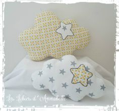 Duo de coussins nuage motif géométrique jaune et étoilé blanc/gris : Décoration pour enfants par leslubiesdannabelle