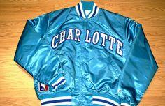 Starter jackets - The 90 Greatest Fashion Trends 90s Fashion, Vintage Fashion, Fashion Trends, Vintage Style, 1990s Trends, Nfl, Tomboy Chic, Satin Jackets, Sports Jacket