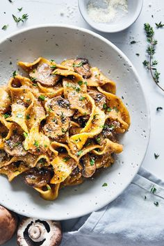 Mushroom Stroganoff - 1 pot and just about 10 ingredients. A quick and easy weeknight dish that'll satisfy your pasta cravings without the guilt! A lighter, vegetarian spin on stroganoff - that can easily be made dairy free and vegan.