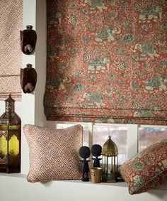 Bohemian style is eclectic and global with lots of hippie patterns, textures and plants, giving an artisanal and nomadic impression. Curtains And Draperies, Drapery Fabric, Wooden Shutters, Fabric Combinations, Timeless Design, Boho Decor, Bohemian Style, Henna, Colours