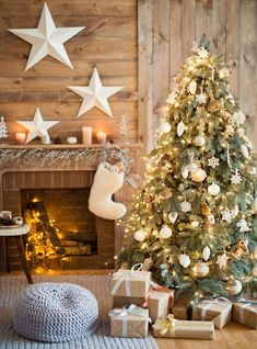 Wood Cabin Christmas Tree Printed Backdrop - Backdrop Outlet Happy New Year Simple Christmas Tree Decorations, Types Of Christmas Trees, Christmas Backdrops, Cabin Christmas, Beautiful Christmas Trees, Christmas Holidays, Christmas Wreaths, Merry Christmas, White Christmas