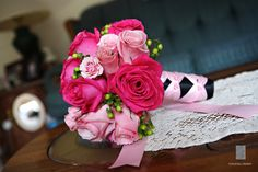 #roses #berries bridesmaids bouquets done in shades of #pinks
