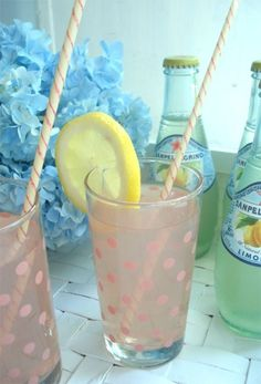 Pink lemonade in polka dot glasses with vintage paper straws Summer Of Love, Summer Fun, Summer Time, Summer Fresh, Style Summer, Cheers, Virtual Baby Shower, Pink Lemonade, Vodka Lemonade