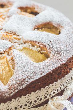 Apfelzeit! Fast wäre sie an mir vorbei gezogen, aber wohin man auch schaut- es gibt Äpfel. In allen Varianten: Kuchen, Muffins und cupcakes, Törtchen, Tartes und viele mehr.Read more...