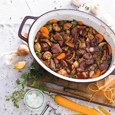 Boeuf Bourguignon - by Allerhande. Meat Recipes, Cooking Recipes, Healthy Recipes, Dinner Recipes, Beef Bourguignon, I Love Food, Good Food, Yummy Food, Enjoy Your Meal