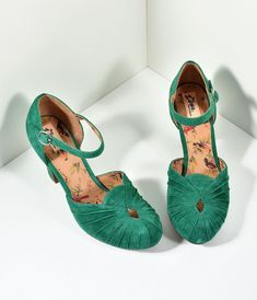 44cd58f98feb Miss L Fire 1940s Style Emerald Green Suede Keyhole Amber Heels Emerald  Green Shoes