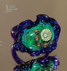 Изумрудное сердце синего цветка. Стекло ручной работы от Веры Викторовой. Emerald Heart blue flower.  Handmade glass by Vera Viktorova