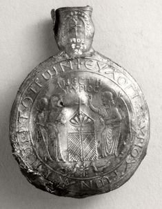 Pewter pilgrim-flask with the 3 Marys at the tomb of Christ (reverse of 1902,0529,24)