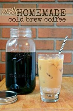 Check out these 130 easy DIY Mason Jar Crafts for Spring and Summer, and they will all make you think uniquely toward the old Mason jars! After a short tour of these DIY Mason jar crafts, you are just not going to end up the mason jars in dumpsters! Mason Jars, Pot Mason, Mason Jar Crafts, Homemade Cold Brew Coffee, Making Cold Brew Coffee, Cold Brew Coffee Recipe Mason Jar, Cold Brewed Coffee, Cold Coffee Drinks, Homemade Coffee Creamer