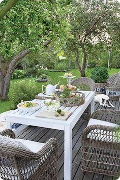 Essen im Freien Come sit with me in the garden
