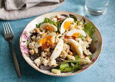 Waarom zou je de kant-en-klare kip-kerrie uit de supermarkt kopen als je deze in een kwartiertje zelf kan maken? Veel lekkerder! Maak er bijvoorbeeld deze heerlijke lunch salade mee. Smullen […]