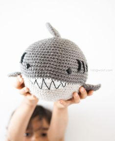 Free pattern to make a crochet shark amigurumi. This adorable stuffed animal is perfect for Shark Week and anytime for shark lovers! Shark Stuffed Animal, Cute Stuffed Animals, Crochet For Boys, Cute Crochet, Crochet Patterns Amigurumi, Crochet Dolls, Crochet Shark, Modern Crochet, Crochet Animals