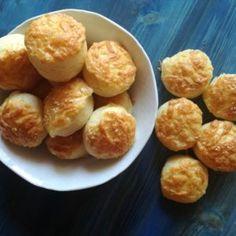 sajtos pogácsa Cheese Biscuits, Biscuit Recipe, A 17, Pretzel Bites, Food Network, Bread, Ethnic Recipes, Christmas, Xmas