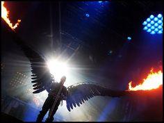 "Till's wings during ""Engel"""