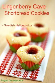 Lingonberry Cave Shortbread Cookies - Swedish Hallongrottor #cookies #traditionofsevencookies #Sweden #christmas #cookieswapslc #cookieswap