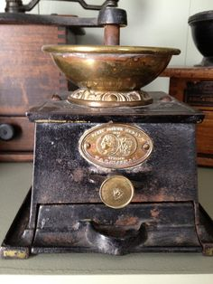 Antique Hunter: Antique Cast Iron Coffee Mill