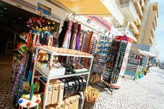 The tiny boutiques and stalls at Praia da Rocha sell mostly holiday essentials and gifts. Try and catch the market on the first Monday of the month as it's packed of vendors selling lots of local handicrafts and wood carvings. For more commercial shopping, Portimão is 20 minutes' walk away.