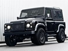 Land-Rover-Defender-Harris-Tweed-Edition-by-Kahn-Design-2