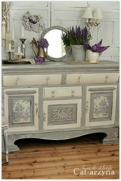 Chic Kitchen Ideas Awesome DIY Shabby Chic Furniture Makeover Ideas ⋆ Crafts and DIY Ideas Shabby Chic Furniture, Shabby Chic Bedrooms, Distressed Furniture, Shabby Chic Homes, Shabby Chic Decor, Chalk Painted Furniture, Vintage Furniture, French Furniture, Furniture Makeover
