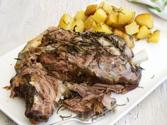 Weekend family lunch starts with this Slow-Roasted Lamb Shoulder by mrsmcnic. Easy Lamb Recipes, Dinner Recipes, Cooking Recipes, Lunch Recipes, Cooking Tips, Dinner Ideas, Shoulder Roast, Lamb Shoulder, Roast Dinner