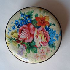 FOUND IN SPAIN Round storage tin with pink roses by ElRitmoRetro